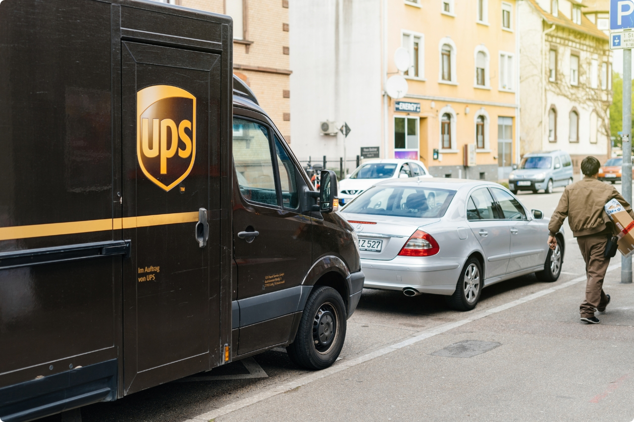 UPS-truck-making-delivery